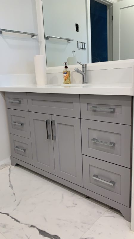 Grey vanity and quartz top