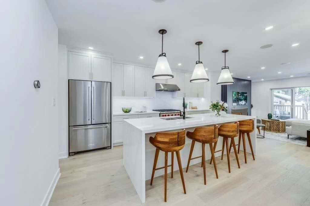 Contemporary kitchen cabinets (Painted MDF doors)
